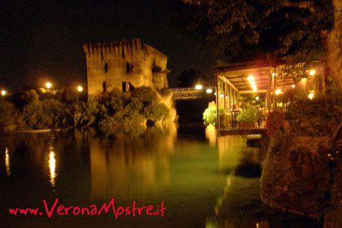 Le romantiche atmosfere del ponte visonteo e del fiume Mincio tra Valeggio e Borghetto